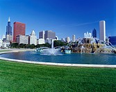 BUCKINGHAM FOUNTAIN. GRANT PARK CHICAGO. ILLINOIS. USA