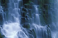 USA, Oregon, Proxy Falls _ waterfall details