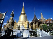 temple Castle palace Wat Phra Keo Emerald temple king´s palace Bangkok Thailand