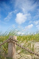 Rope fence barrier on beach (thumbnail)