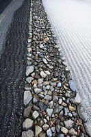 Japanese rock garden, close-up (thumbnail)