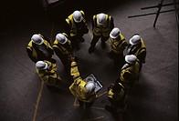 SWISS RE, 30 ST MARY'S AXE, LONDON, EC3 FENCHURCH, UK, FOSTER & PARTNERS, INTERIOR, CONSTRUCTION SHOT _ PAUL SCOTT, PROJECT DIRECTOR HOLDING SITE MEET...