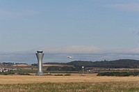 AIR TRAFFIC CONTROL TOWER, EDINBURGH AIRPORT, EDINBURGH, MID LOATHIAN, UK, REID ARCHITECTURE, EXTERIOR, VIEW FROM SURROUNDING FIELD