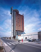 NEW HESPERIA TOWER HOTEL, L´HOSPITALET, BARCELONA, SPAIN, RICHARD ROGERS PARTNERSHIP, EXTERIOR, MORNING VIEW OF THE TOWER