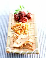 Ginseng, red dates and pine nut