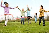 Multi_ethnic children running race