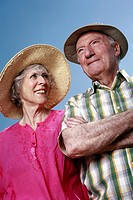 Senior couple with hats (thumbnail)