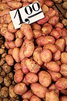Potatoes on a market stall