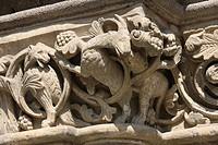 Romanisches Kapitell an der Westseite des Paradieses