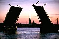 Russia _ St Petersburg _ dvorcovis Most_ The Neva _ Palace Bridge _ spire of St Peter And St Paul
