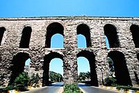 Turkey - Istanbul - Historic Center - Fatih District - Valens Aqueduct (thumbnail)