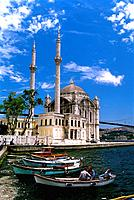 Turkey - Istanbul - Bosphorus Bridge - Ortakoey Mosque (thumbnail)