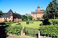 Limousin _ Correze _ Collonges la rouge _ Castel de Vassignac _ Eglise St Pierre