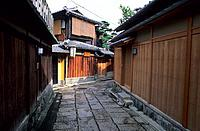 Japan _ Kyoto _ Higashiyama District _ Ishibe_Koji Alley
