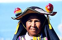 Pérou _ Lac Titicaca _ Llachon _ Traditional family