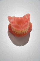Pair of dentures (thumbnail)