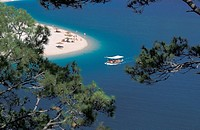 Turkey, North East Anatolia illstrn, Fethiye, Oludeniz Calm Lake Sandy beach, general view