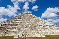 Pyramid of Kukulkan ( The Castle). Mayan ruins of Chichen Itza. Mayan Riviera. Yucatan Peninsula. Mexico