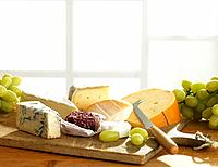 Cutting board with cheese (thumbnail)