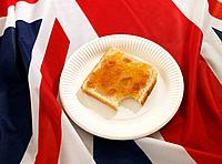 Slice of bread with marmalade (thumbnail)