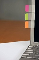 Post_it notes at a laptop