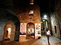 The antique galleries of the etruscan town are still used to connect downtown and uptown of Perugia