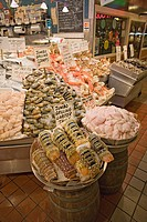 USA, Washington, Seattle, seafood at Pike Street Market