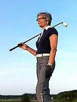 Woman with golf club (thumbnail)