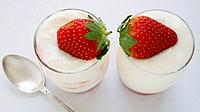 Yoghurt cream with strawberry compote