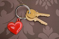 Keys on keyring with heart