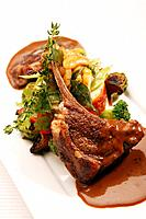 Lamb chop with vegetables (thumbnail)