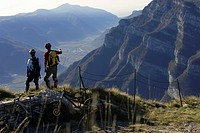 Two mountainbike riders enjoying the sight