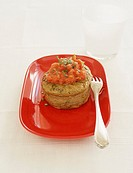 Small meat flan with spices and crushed tomatoes