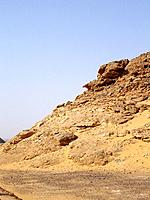 egypt natural arid area of rocks