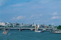 England _ London _ The City _ The Thames and Millennium Bridge