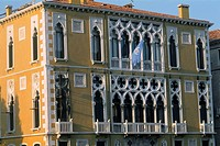 Italy - Venice - The Ca' d'Oro - beautiful and delicate architecture (thumbnail)