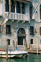 Italy _ Venice _ palazzo _ boat _ entryway _ close_up