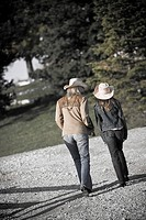 Mother and daughter 16_17 in cowboy hats