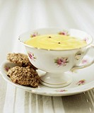 Lime cream with Sichuan pepper and coconut biscuits