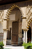 Patio de las Damas (´Courtyard of the Maidens´), Reales Alcazares, Sevilla. Andalucia, Spain