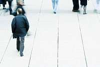 Pedestrians on sidewalk (thumbnail)