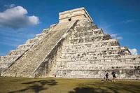 El Castillo, Pyramid of Kukulkan, Chichen Itza Archaeological Site, Chichen Itza, Yucatan State, Mexico
