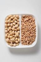 Soya beans and spelt