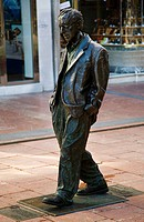 Statue of Woody Allen by Vicente Santarua, Oviedo. Asturias, Spain