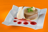 Miroir of pear and cacao and a coulis of red fruits _ Dietetic menu