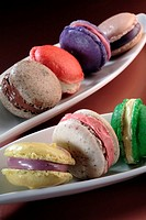 Small macaroons with different flavours