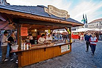 Vendor stand at the main market city square, selling traditional Bavarian sausages, Nuremberg, Bavaria, Germany, Europe