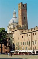 Italy, Lombardy, Mantova, Piazza Sordello, Square.