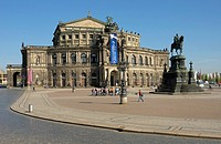 Semperoper, Saxon State Opera, Dresden, Saxony, Germany, Europe