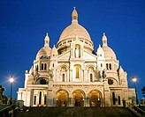 Sacre_Coeur Basilica in Montmartre at dusk, Paris, France